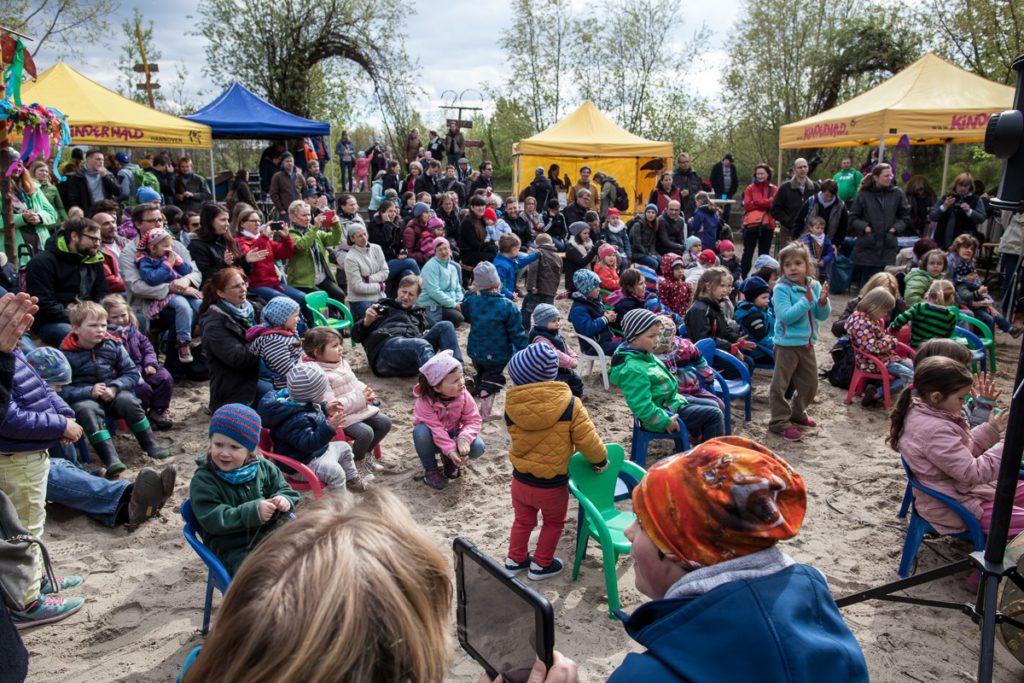 Kinderwald_Frühlingsfest Publikum