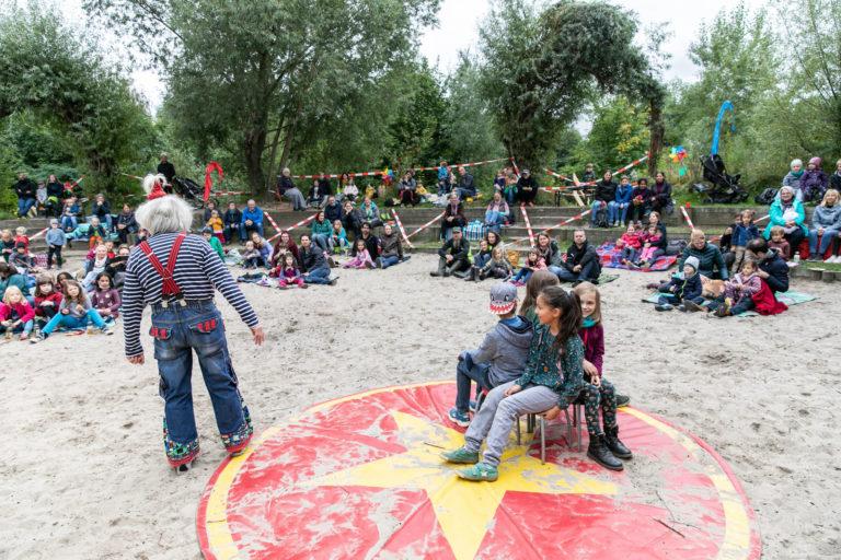 Weltkindertag am 19. September 2021 im Kinderwald in Hannover. Es treten auf Spunk, Florian Müller , Die Blindfischer und Unmada ( Manfred Kindel)